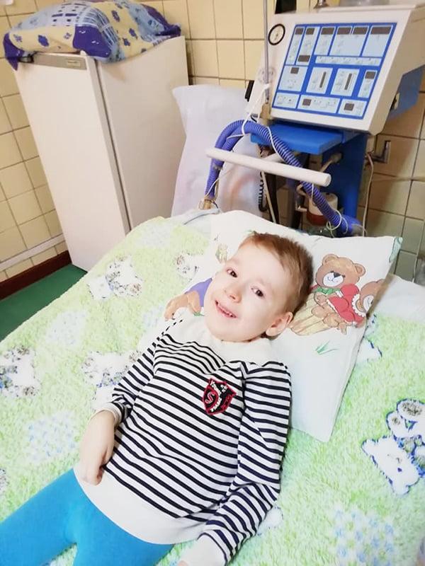 Отделение реанимации, настройка аппарата неинвазивной вентиляции легких, пациент с СМА - Артем Шевченко