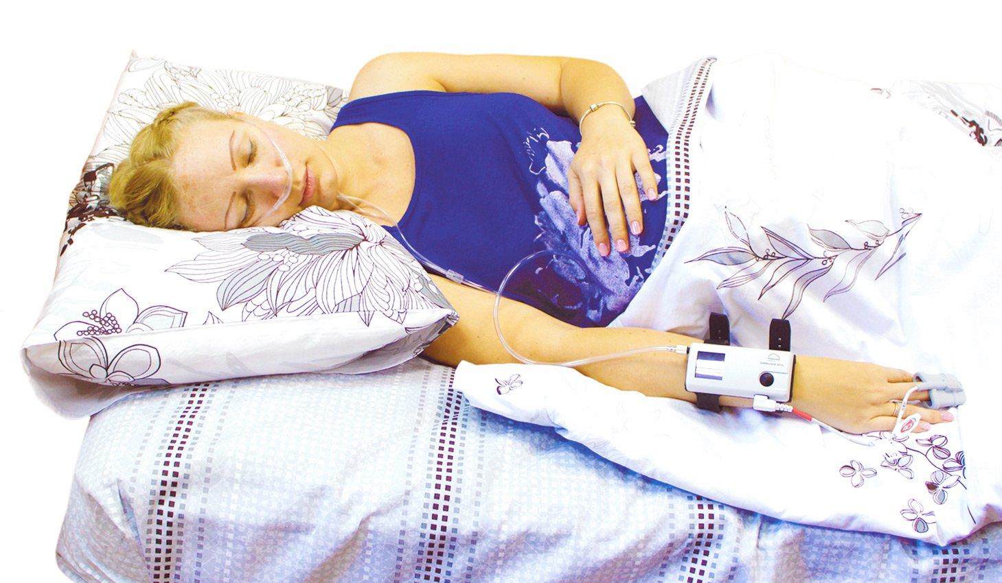 Так выглядит обследование на дому с использованием аппарата для скрининга нарушений сна SOMNOcheck micro